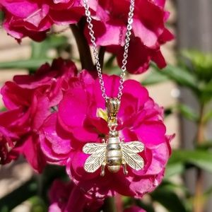 Jewelry - 14kt. Yellow Gold Bee Necklace Pendant Charm